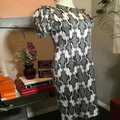 Thom Browne Black and Ivory & White Stretch Satin Sheath Mid-length Short Casual Dress Size 12 (L) Thom Browne Black and Ivory & White Stretch Satin Sheath Mid-length Short Casual Dress Size 12 (L) Image 4