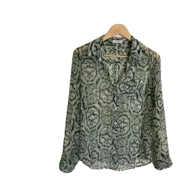 Preload https://img-static.tradesy.com/item/27600969/equipment-green-silk-abstract-print-shirt-blouse-size-4-s-0-0-650-650.jpg