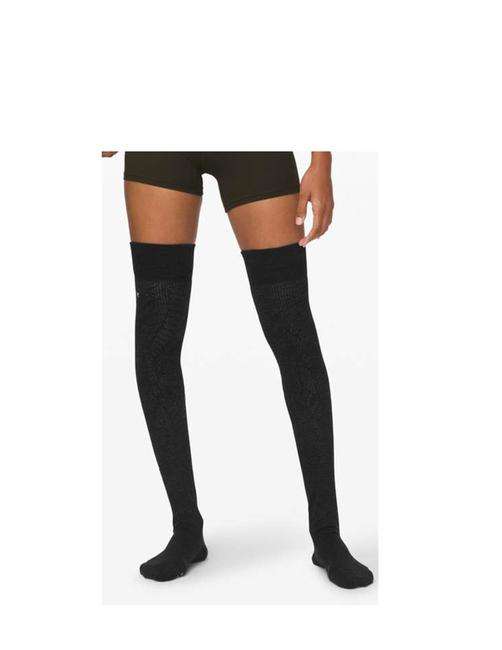 Item - Heathered Core Black Yoga Savasana Sock Size S/M Hosiery