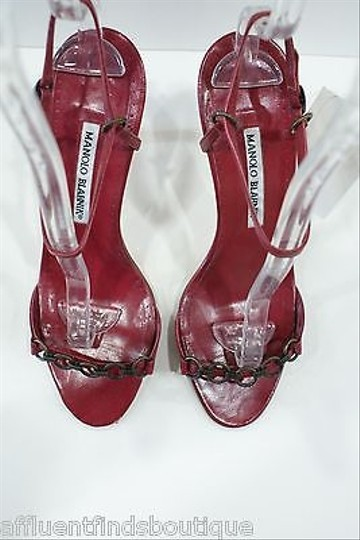 Manolo Blahnik Leather Heels Linked Chain Detail Maroon Pumps