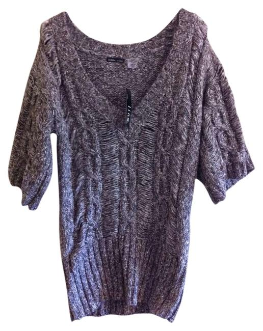 Preload https://item5.tradesy.com/images/grey-tunic-size-4-s-276024-0-0.jpg?width=400&height=650