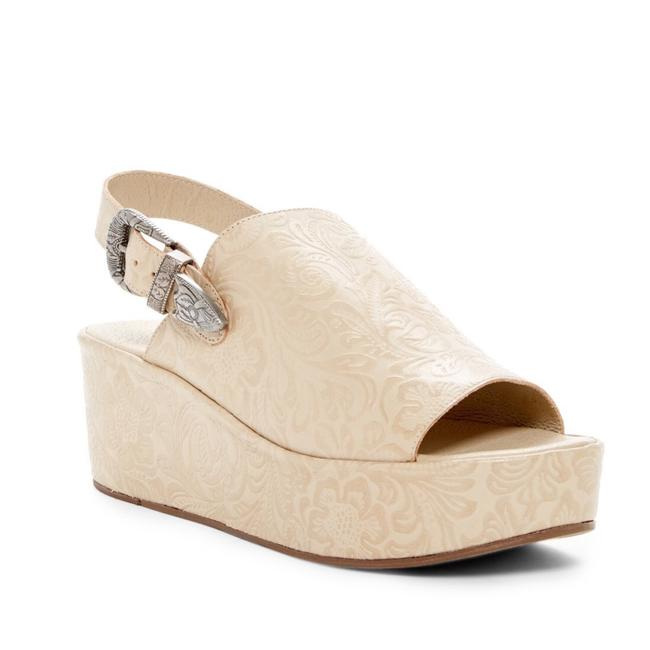 Item - Tan Bonaroo Mules/Slides Size US 10 Regular (M, B)