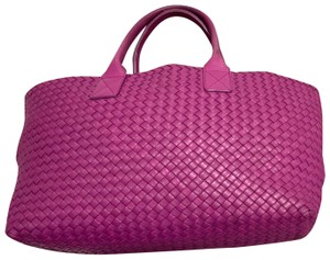 Bottega Veneta Tote in purple raspberry