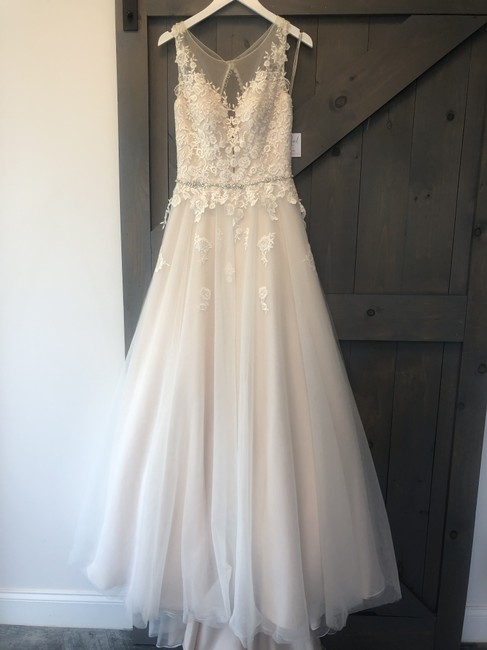 Item - Ivory/Cashmere Lace and Tulle Pb6561 Traditional Wedding Dress Size 4 (S)