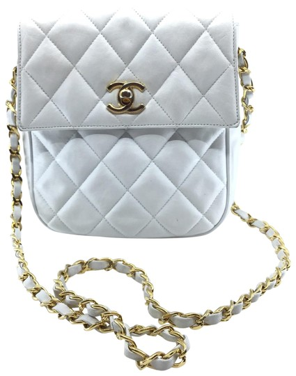 Preload https://img-static.tradesy.com/item/27606746/chanel-quilted-flap-top-white-leather-cross-body-bag-0-1-540-540.jpg