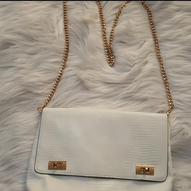 Item - White Leather Cross Body Bag