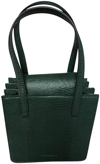 Preload https://img-static.tradesy.com/item/27612090/small-granny-box-forest-croc-green-cowhide-leather-shoulder-bag-0-3-540-540.jpg