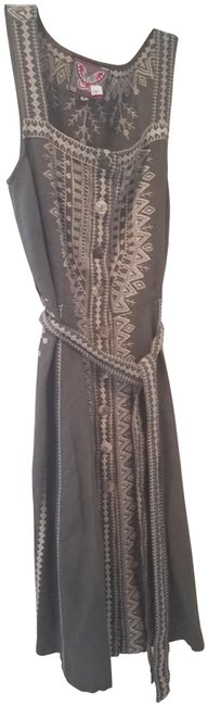 Olive Sleeveless Embroidered Mid-length Short Casual Dress Size 10 (M) Olive Sleeveless Embroidered Mid-length Short Casual Dress Size 10 (M) Image 1