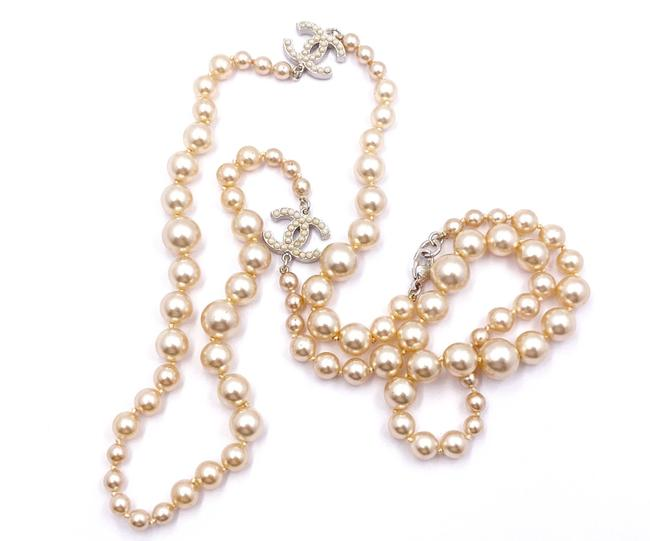 Item - Golden Silver Opal Classic Cc Faux Pearl Long Pearl Necklace
