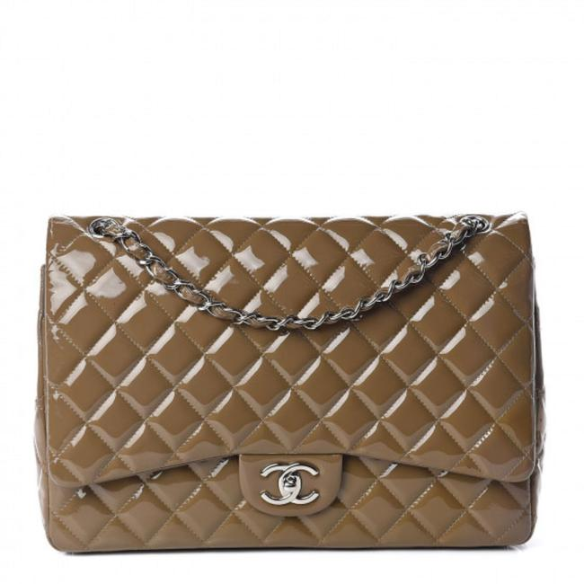 Item - Double Flap Quilted Maxi Grey Patent Leather Shoulder Bag