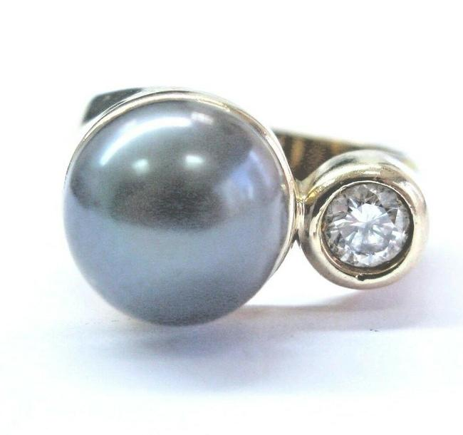 Item - Yellow Gold Fine Natural Black Pearl & Diamond 10.5mm .25 Ring