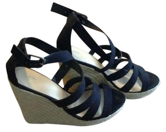 Preload https://item3.tradesy.com/images/mossimo-supply-co-black-and-tan-summer-wedges-size-us-11-276247-0-0.jpg?width=440&height=440