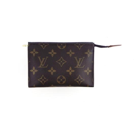 Preload https://img-static.tradesy.com/item/27626212/louis-vuitton-brown-pochette-15-monogram-canvas-leather-toiletry-travel-dopp-cosmetic-bag-0-0-540-540.jpg