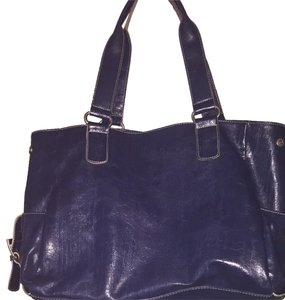 Kenneth Cole Reaction Shoulder Bag