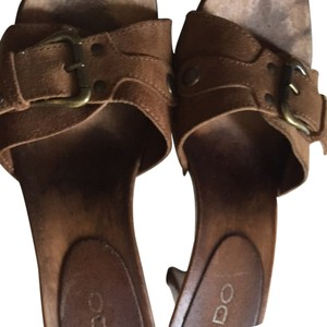 Aldo Tan/Brown Sandals