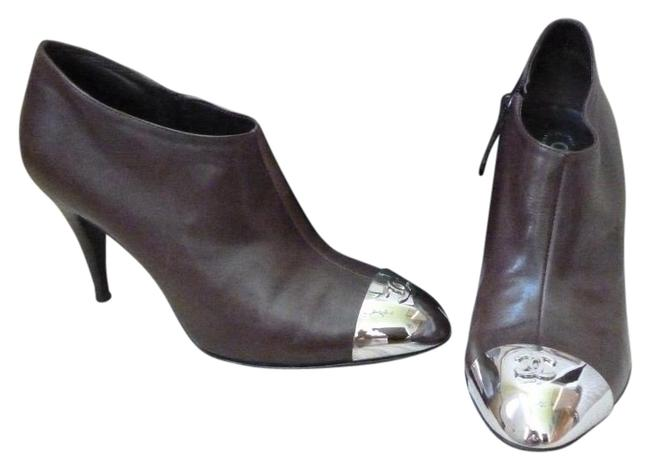 Item - Brown and Silver Cc Logo Leather Boots/Booties Size EU 38 (Approx. US 8) Regular (M, B)