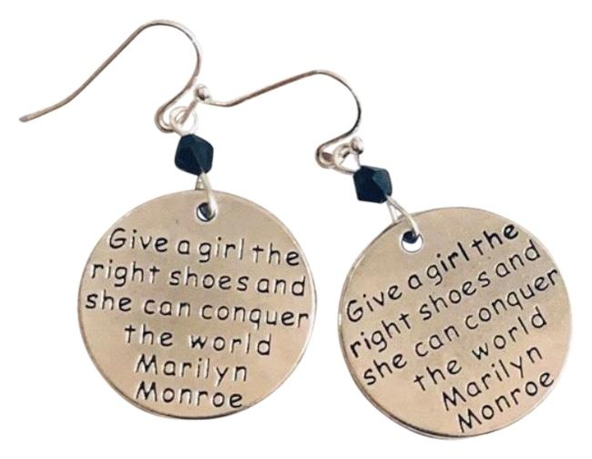 """Item - Silver Marilyn Girl Monroe Quote """"give The The Right Shoes & She Can Conquer The World"""" Dangling Earrings"""