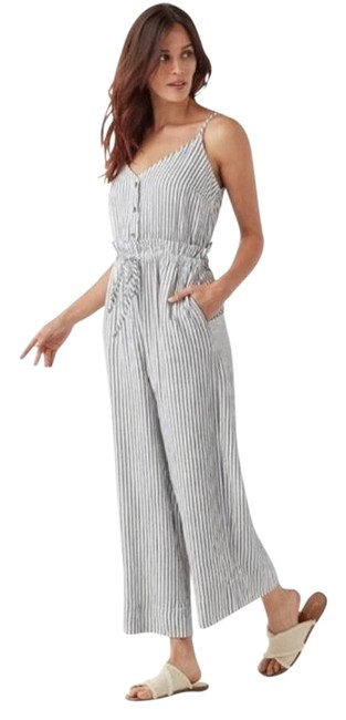 Preload https://img-static.tradesy.com/item/27642532/splendid-white-navy-stripe-romperjumpsuit-0-1-650-650.jpg