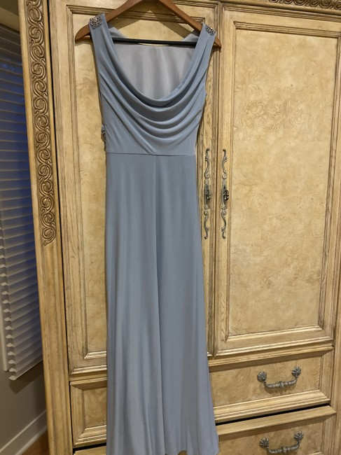 Item - Grey 95 % Polyesters 5% Spandex 57023/14150 Formal Bridesmaid/Mob Dress Size 2 (XS)
