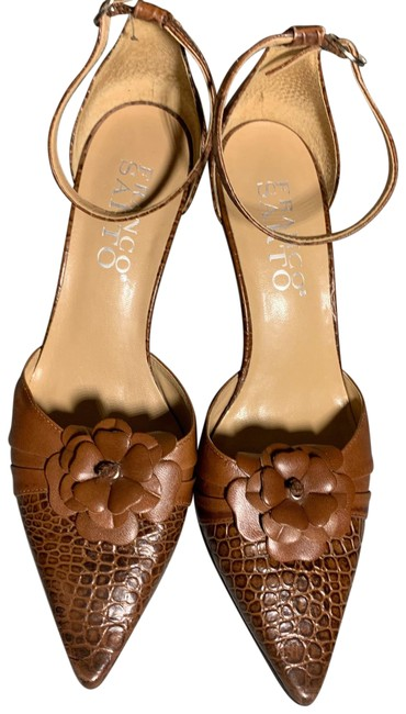 Item - Brown Pumps Size US 7.5 Narrow (Aa, N)
