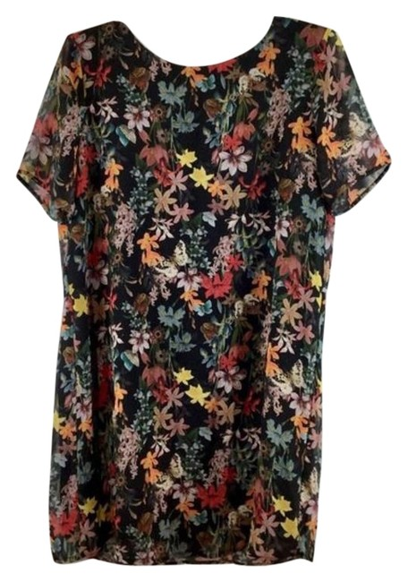 Item - Black & Red Floral Sheer Sleeves Mid-length Short Casual Dress Size 8 (M)