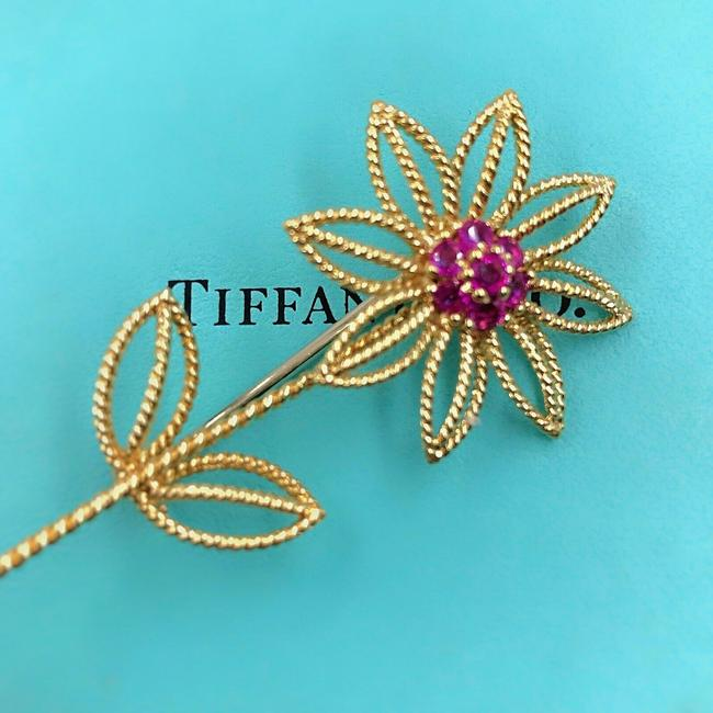 Item - Rubies Vintage 1960's Co 18k Yellow Gold Flower Brooch/Pin