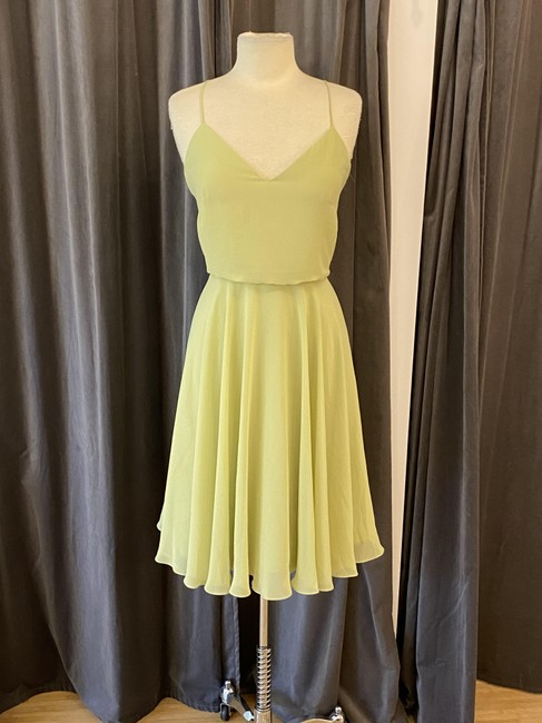 Item - Pear Luxe Chiffon Sienna Casual Bridesmaid/Mob Dress Size 8 (M)