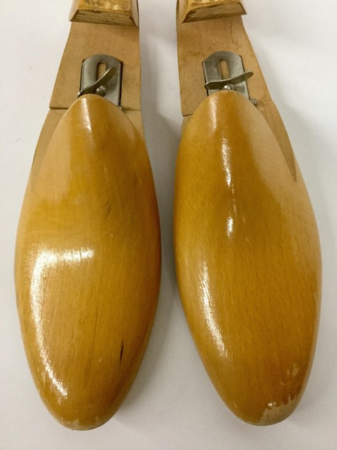 Item - Brown Mid Century Wood Shoe Trees By Mackey Decoration