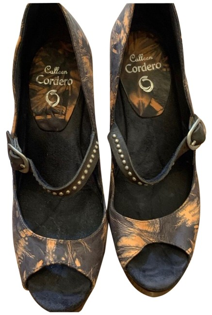 Item - Handcrafted Floral and Stud-trimmed Wedges Size US 7 Regular (M, B)