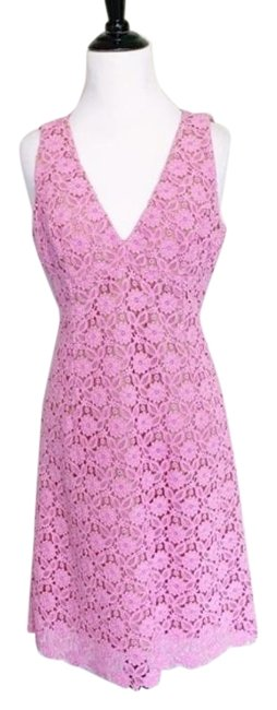 Item - Pink Guipure Lace V Neck Sleeveless Sheath Mid-length Cocktail Dress Size 4 (S)