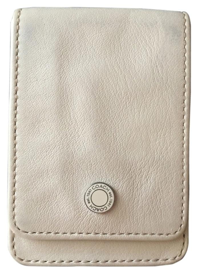 Coach winter white business cardcredit card holder wallet tradesy coach business cardcredit card holder colourmoves