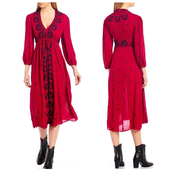 Item - Magenta V-neck Embroidered Maxi Mid-length Short Casual Dress Size 4 (S)