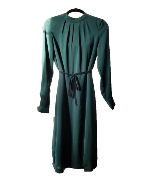 Item - Green Silky High Neck Mid-length Cocktail Dress Size 4 (S)