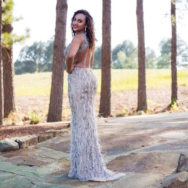 Item - Nude Beaded Feathers Long Formal Dress Size 6 (S)