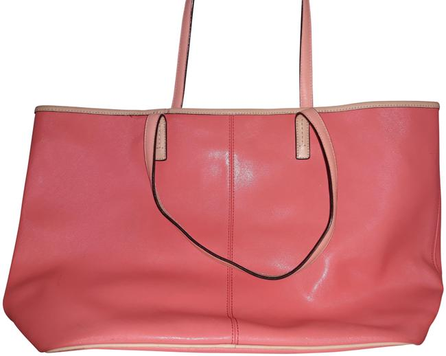 Item - Large Park Metro Coral Leather Tote