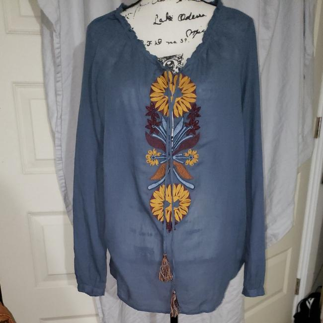 Item - Blue Embroidered Blouse Size 12 (L)