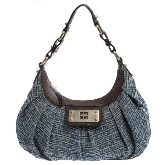Preload https://img-static.tradesy.com/item/27670041/givenchy-bluebrown-monogram-small-blue-denim-and-leather-hobo-bag-0-0-540-540.jpg