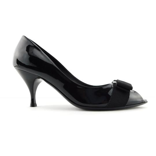 Preload https://img-static.tradesy.com/item/27670056/salvatore-ferragamo-black-patent-leather-vara-logo-bow-logo-open-toe-heel-pumps-size-us-7-regular-m-0-2-540-540.jpg