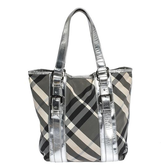 Preload https://img-static.tradesy.com/item/27670290/burberry-silverbeat-check-victoria-silver-nylon-and-patent-leather-tote-0-0-540-540.jpg