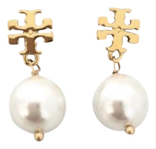 Preload https://img-static.tradesy.com/item/27670436/tory-burch-gold-logo-white-pearl-dangle-drop-earrings-0-1-540-540.jpg