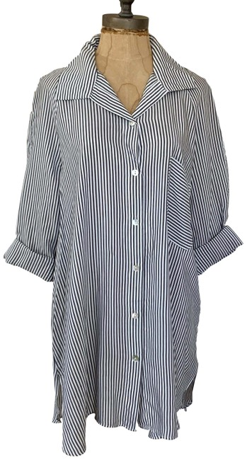Item - Blue & White Striped Shirt with Pocket Medium Button-down Top Size 8 (M)