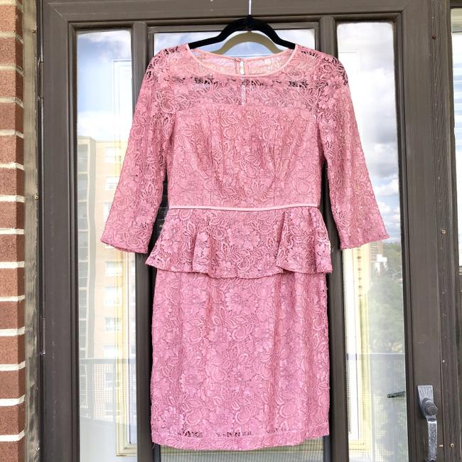 Item - Pink Lace 3/4 Sleeve Sheath Formal Bridesmaid/Mob Dress Size 2 (XS)