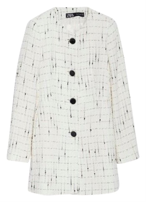 Item - White L Tweed with Detail Buttons (Fits Us 6) Coat Size 12 (L)