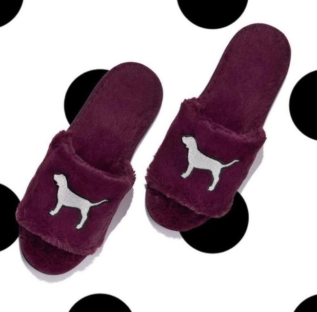 Item - Purple with Silver Logo Fuzzy Slippers Flats Size US 7 Regular (M, B)