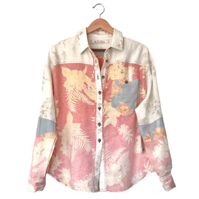 Item - • Chasing Waves Shirt Button-down Top Size 12 (L)