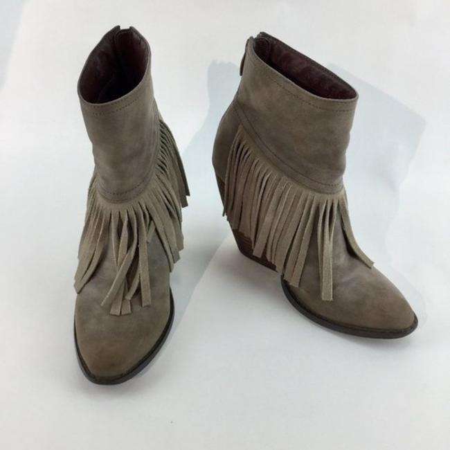 Very Volatile Brown Wedge Fringe Ankle Boots/Booties Size US 7 Regular (M, B) Very Volatile Brown Wedge Fringe Ankle Boots/Booties Size US 7 Regular (M, B) Image 3