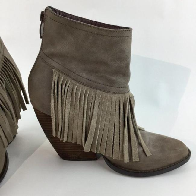 Very Volatile Brown Wedge Fringe Ankle Boots/Booties Size US 7 Regular (M, B) Very Volatile Brown Wedge Fringe Ankle Boots/Booties Size US 7 Regular (M, B) Image 8