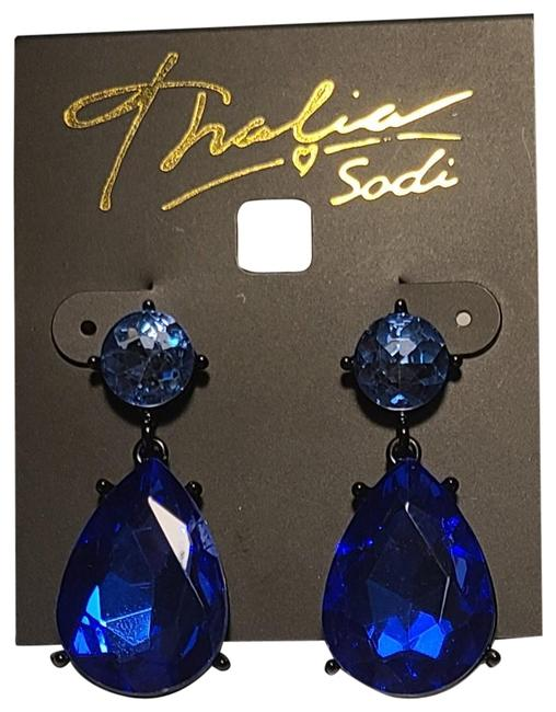 Item - Blue Rhinestone Earrings
