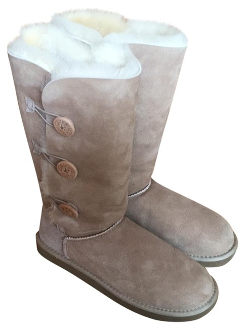 UGG Australia Tan Bailey Button Triplet Boots/Booties Size US 9 Regular (M, B) UGG Australia Tan Bailey Button Triplet Boots/Booties Size US 9 Regular (M, B) Image 1