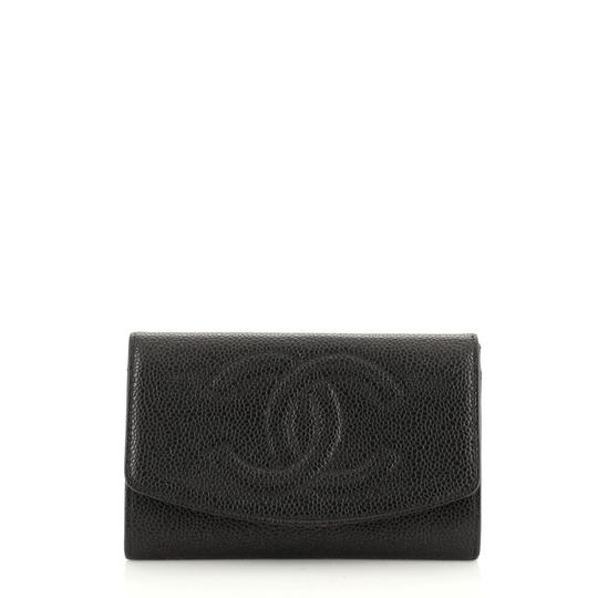 Preload https://img-static.tradesy.com/item/27692794/chanel-vintage-timeless-card-case-caviar-black-leather-clutch-0-0-540-540.jpg